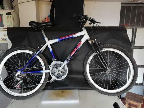 bicimoto + bicicleta montañera + mochila uber