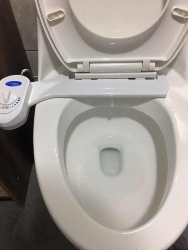 bidet ajustable para taza de baño no eléctrico.