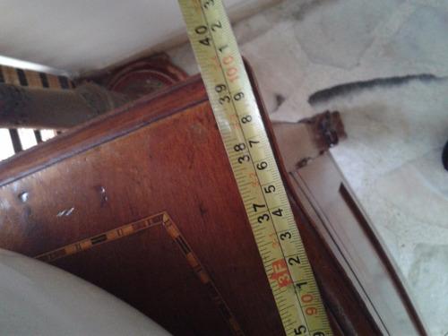bife europeo antiguo con incrustaciones en marqueteria