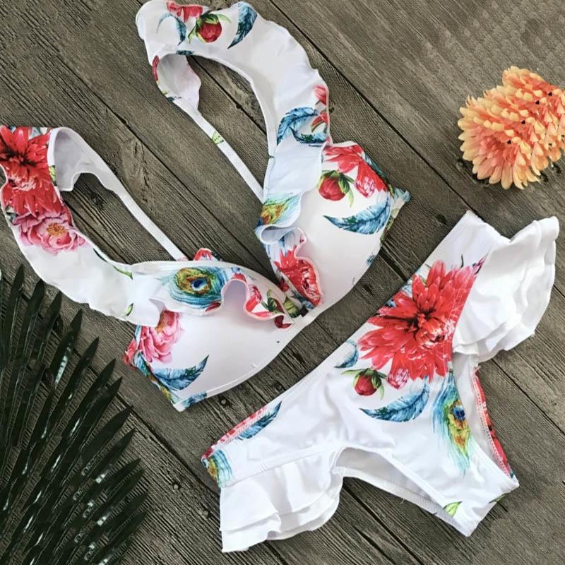 345588c099b bikini push up dos piezas con vuelos de mujer blanco flores. Cargando zoom.