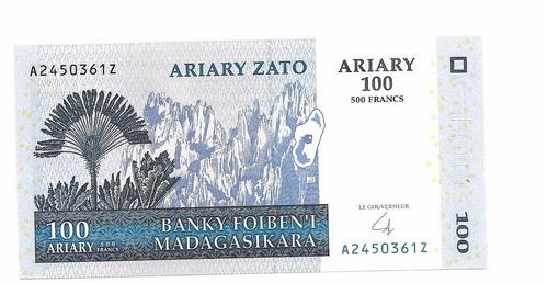 billete de madagascar.  100 ariary 2004 unc