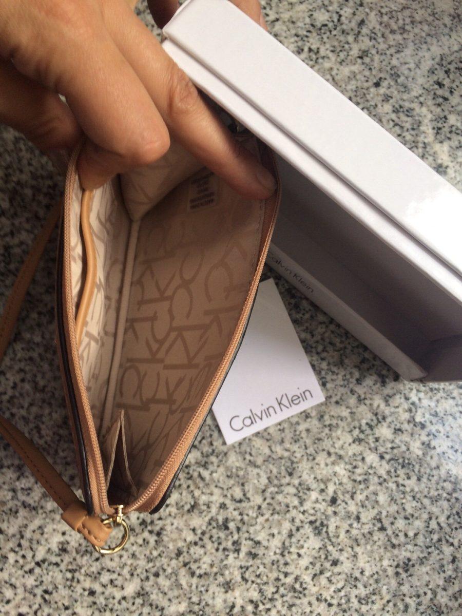 60cfc7acc billetera calvin klein letras de mujer de un compartimiento. Cargando zoom.
