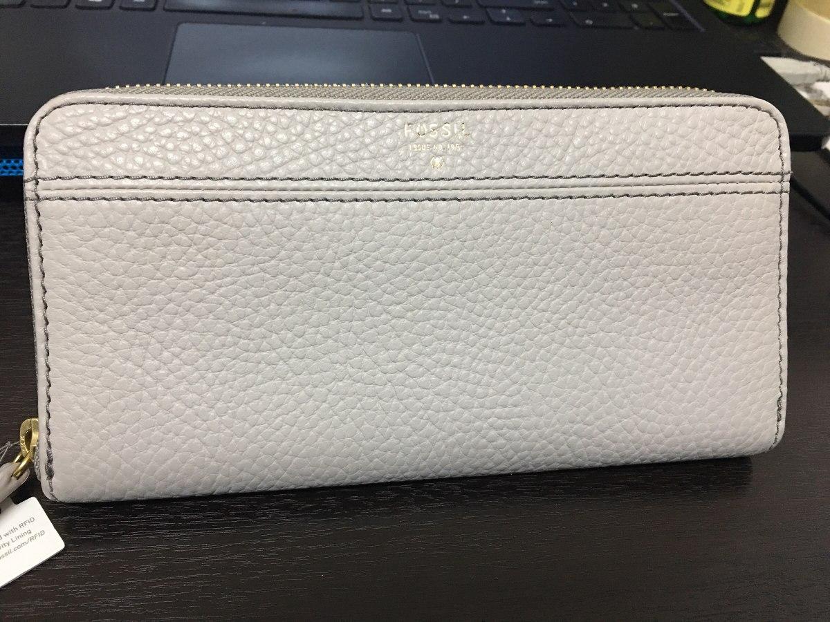 b0bd3ce33 billetera de mujer fossil original cuero beige original. Cargando zoom.