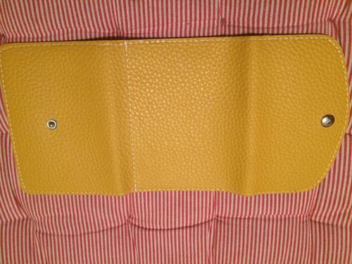 billetera hermosa chiquita amarilla