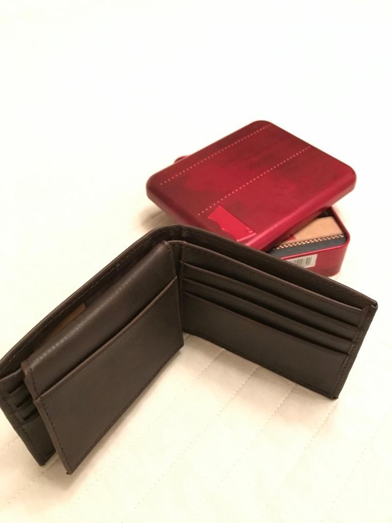 ca4bd9d49 Billetera Levis Cuero Original Caja Metálica - $ 1.999,00 en Mercado ...