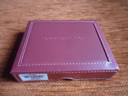 billetera original tommy hilfiger, en caja original.