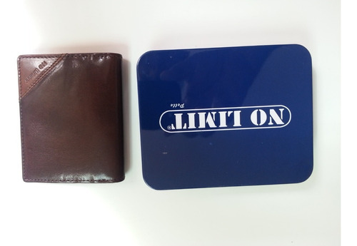 billetera pequeña marca no limit en negro marron y caramelo