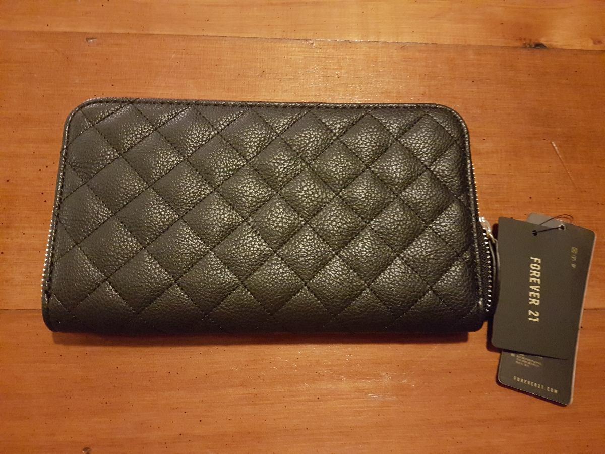 68cdc0d41 Billetera Sobre Forever 21 Negra Cimino Microcentro - $ 299,00 en ...