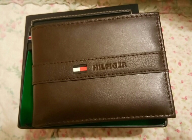 ee7dcd9ee9c Billetera Tommy Hilfiger Hombre 100 % Original - S  130