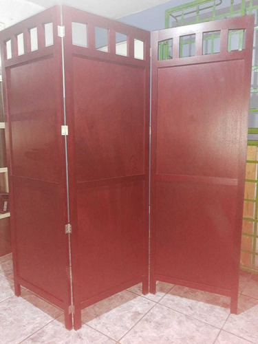 biombo,  medidas: 1.80 x 1.80mmaterial: madera de banak