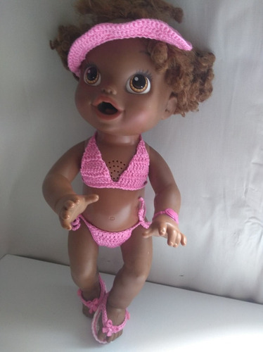 biquíni baby alive rosa em crochê com chinelo botão de laço