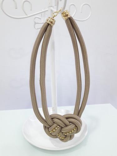 bisuteria accesorios a & m. collar de nudo con strass. mujer
