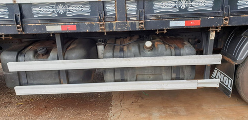 bitruck atego 2428 ano 2011 - 4º eixo. carroceria 11,7mm