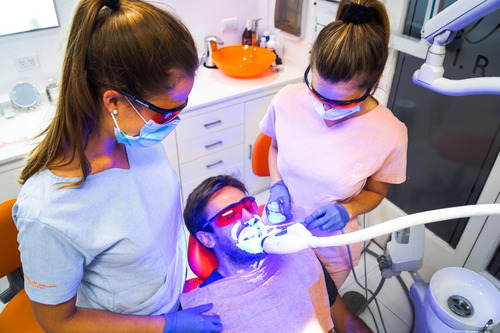 blanqueamiento dental  + limpieza ultrasonido