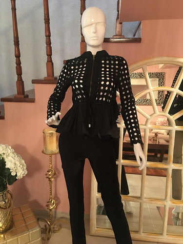 blazer color negro
