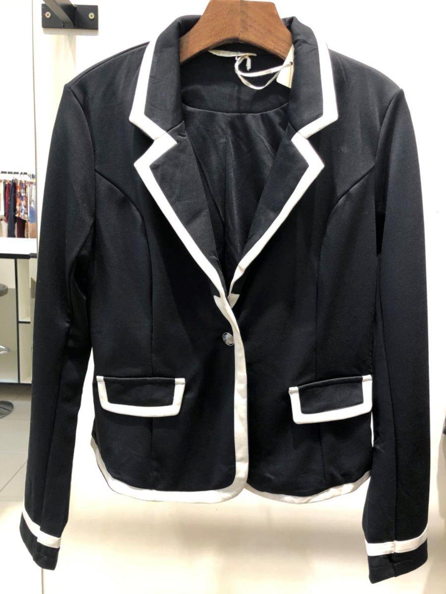 bc60e4ba64 blazer feminino preto com detalhe branco. Carregando zoom.