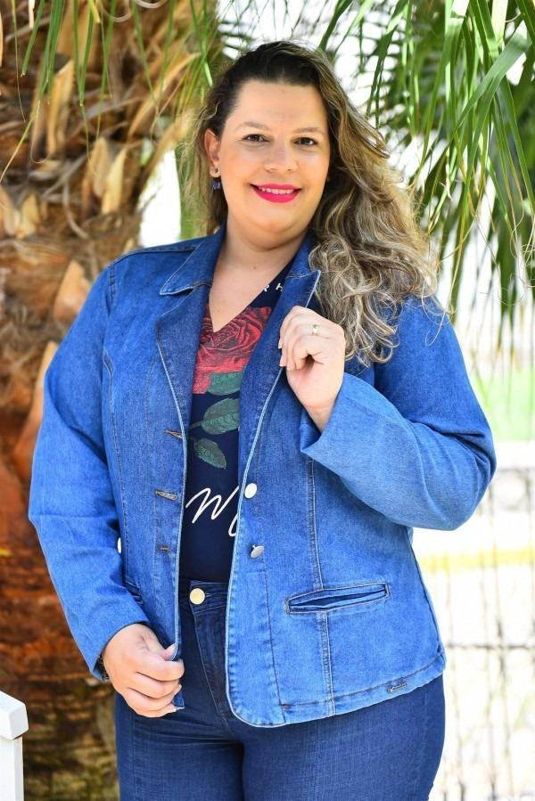 9ef2c13a02fc66 Blazer Jeans Feminino Plus Size Acinturado Com Lycra Cambos - R$ 169 ...