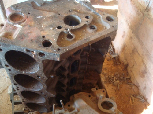 bloco do motor  dodge v8  318  pra restauro
