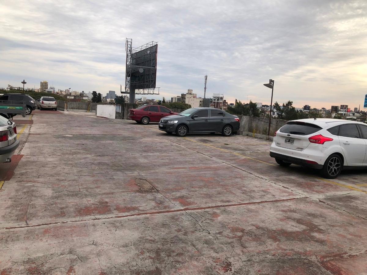bloque de 21 cocheras estacion liniers/ permuto