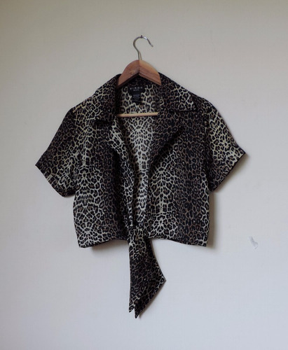 blusa animal print anudada