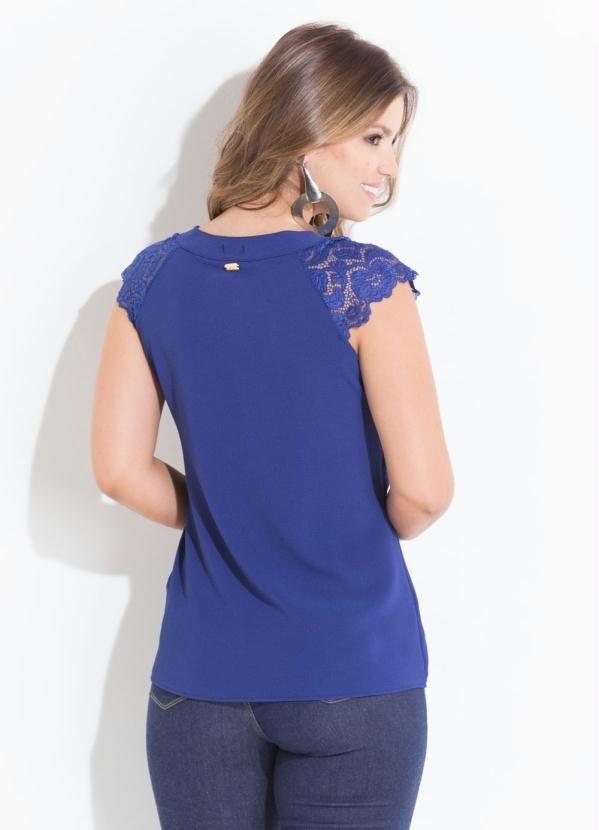 0d53361905 blusa azul royal com renda nas mangas decote redondo psd. Carregando zoom.