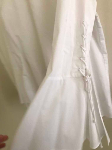 blusa blanca plus mangas acampanadas