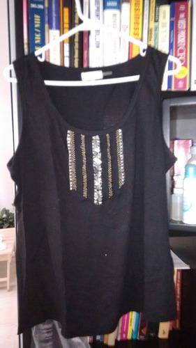 blusa calvin klein talla 1x con aplicaciones metálicas.