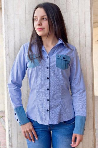 blusa camisera azul en mini prints