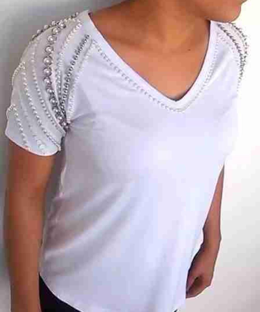 e99e819820a1 Blusa Camiseta Bordada A Mão Com Pérolas Delicada