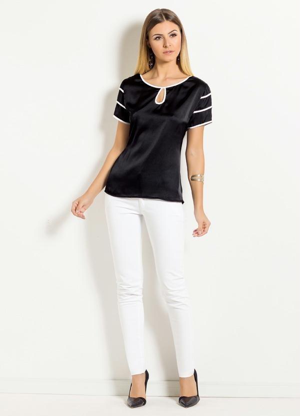 4b23d129c blusa cetim feminina preta e branca decote gota psd 2220442. Carregando  zoom.