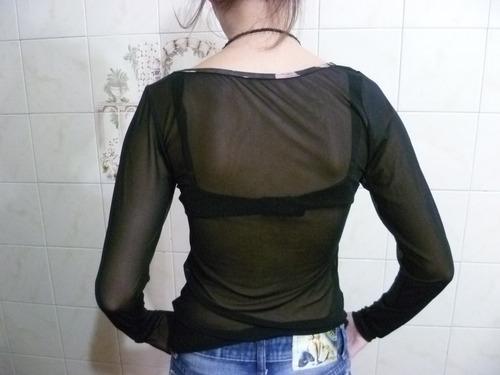 blusa com tule nas costas e mangas estampada na frente &