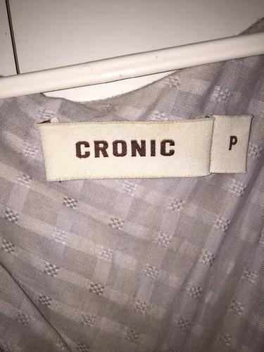blusa cronic cinza tamanho p. usada!