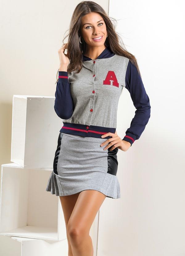 blusa de manga varsity baseball e futebol americano. Carregando zoom. 484c62850f83c
