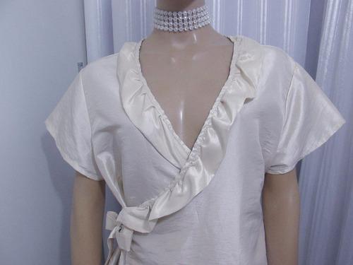 blusa de tafetá bege com babadinho e laço
