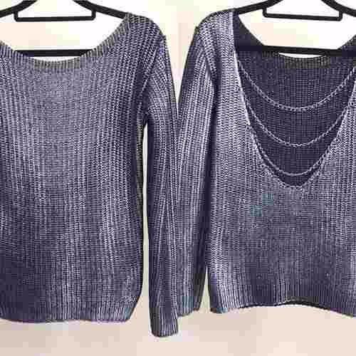 blusa em tricor/crochet detalhe corrente costa nua linda