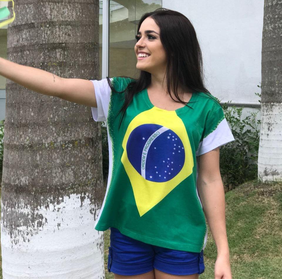 5d50d4337 blusa feminina brasil copa do mundo camiseta bandeira. Carregando zoom.