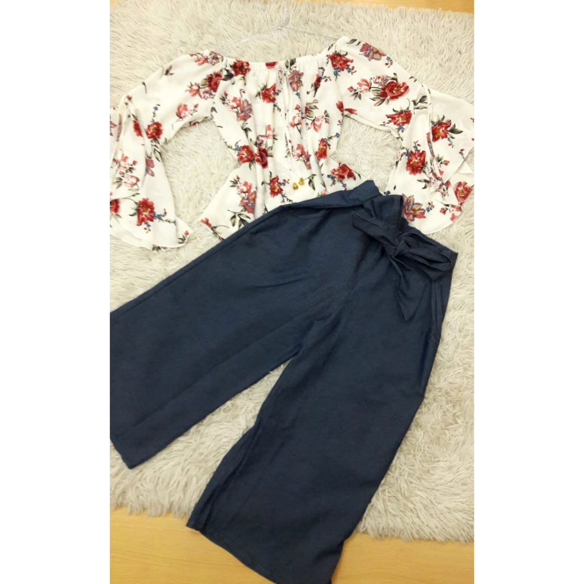 8c67b4dd5f blusa feminina ciganinha manga flare estampa floral crepe. Carregando zoom.