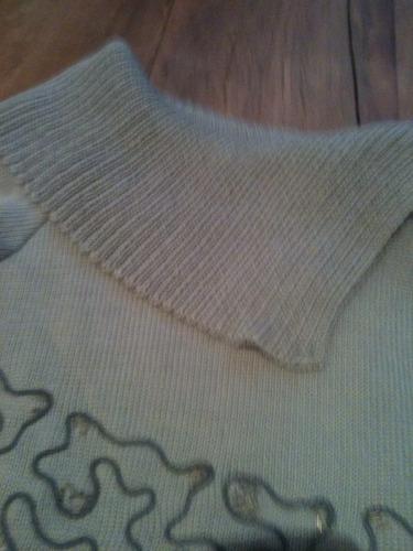 blusa feminina com bordados gola alta/ tricot bella tam g