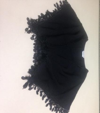 blusa feminina com detalhes