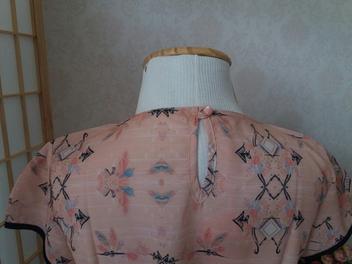 blusa feminina de manguinha estampada retrô