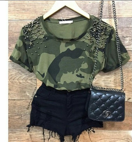 c834f7fd2f Blusa Feminina Militar Pedraria Peplum - T-shirt Customizada - R  37 ...