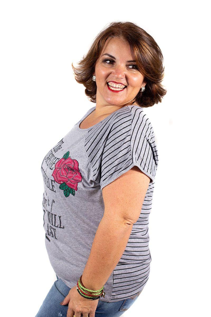 883d9f0e20 blusa feminina plus size estampada e listrada cinza mescla. Carregando zoom.