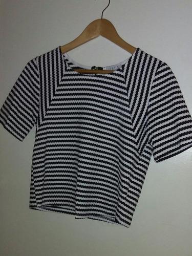 blusa grande nueva manga corta blanca con negro
