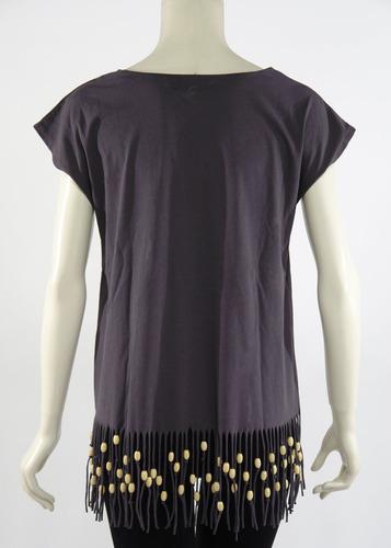 blusa gris, flecos y cuentas de madera mink pink