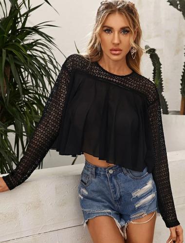 blusa manga larga, color negro con aberturas arriba