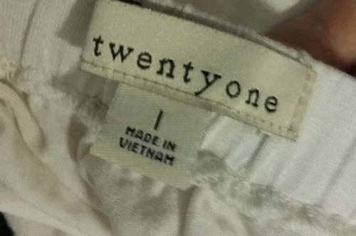 5209cc0e759a Blusa Negro Y Beige Con Moño Twenty One Talle 1 - $ 300,00