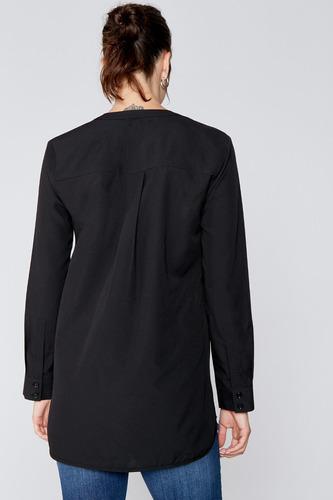 blusa off white escote en v con puños yagmour