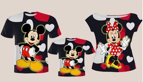 7a7623607027e8 Blusa Pai, Vestido Mãe, Blusa Filho - Mickey E Minnie News
