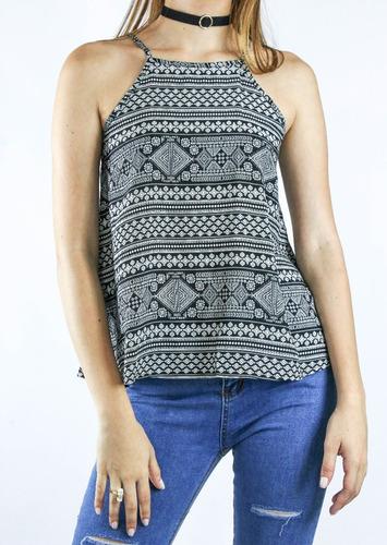 blusa synergy estampada cuello halter negra 113a