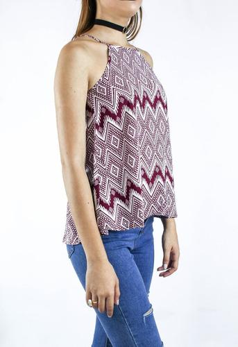 blusa synergy estampada cuello halter vinotinto113a